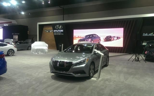 2016 Canadian International AutoShow: Jaguar, Hyundai, Infiniti, Nissan & Land Rover